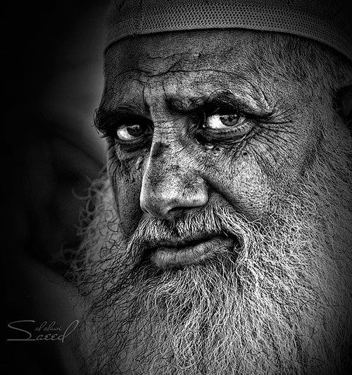 F1a faces of old people in black and white photography