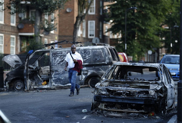 Riots leave London burning