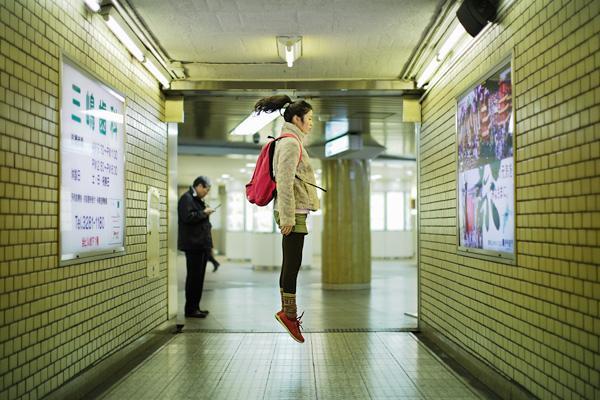 85600 400 Jump Photography by Natsumi Hayashi