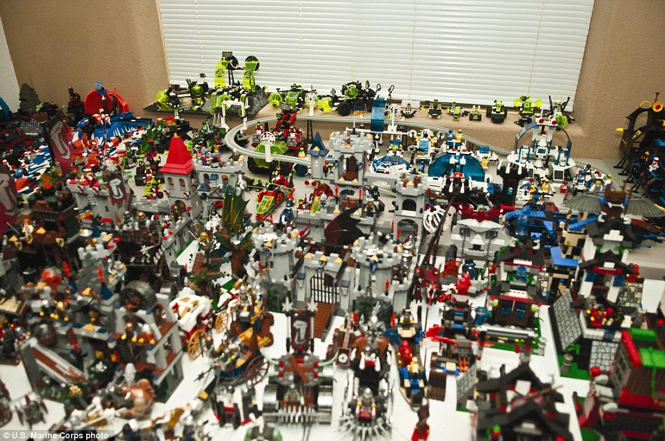 article 2092750 117C5982000005DC 304 964x640 Largest private LEGO collection in the world