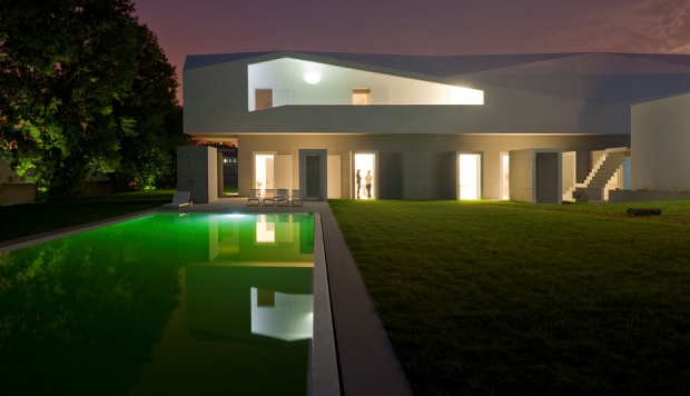 i1b104 The Porto House by ALVARO LEITE SIZA VIEIRA