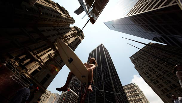 romain laurent horizon photography 03 L'Horizon Surreal surfing in the city, by Romain Laurent