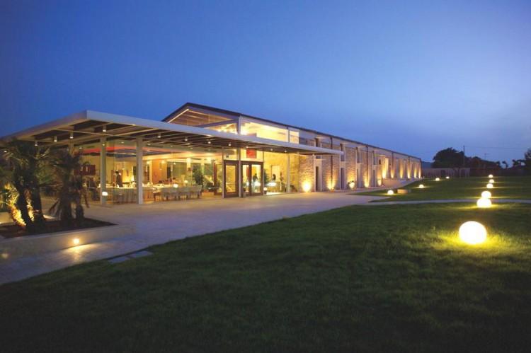784 750x499 Villa Carlotta Hotel by Architrend Architecture