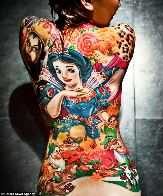 article 2095917 1192A8BF000005DC 72 634x765 Snow White and the Seven Dwarfs: The Tattoo