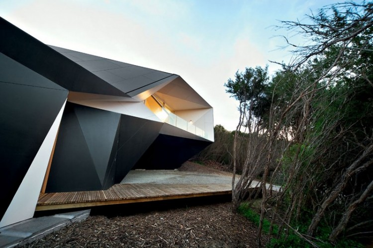 Klein Bottle House 03 800x533 750x499 The Sensational House of the Week N°22 !