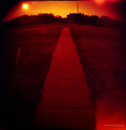 Roll012011 Redscale via DailyHolga.com