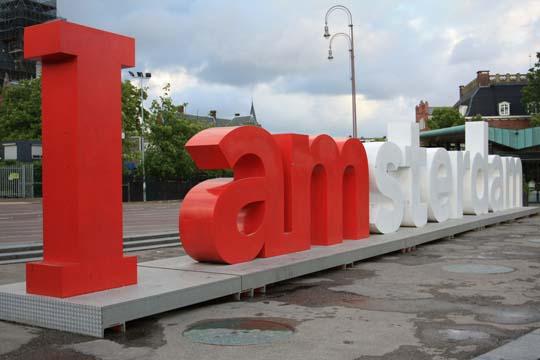2.urban typogaphy amsterdam Friday Urban Typography Inspiration – Amsterdam