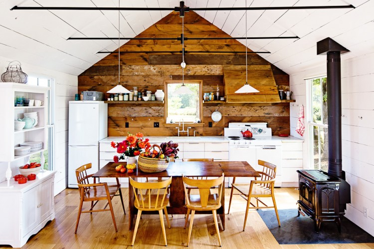 LincolnBarbour tinyhouse 102 750x499 Сosy House by Jessica Helgerson Interior Design