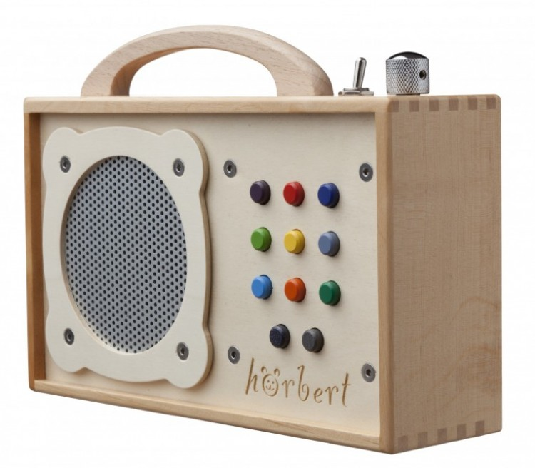 horbert 750x656 Hörbert Wooden MP3 Player for Kids