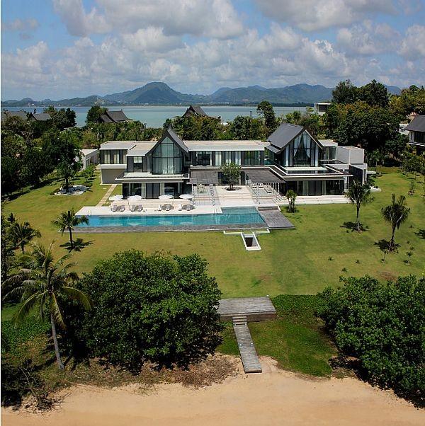 i1a52 Huge Luxurious Villa in Thailand