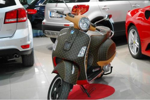 tumblr m2d7aeMJ7C1rse1ipo2 500 Louis Vuitton Vespa