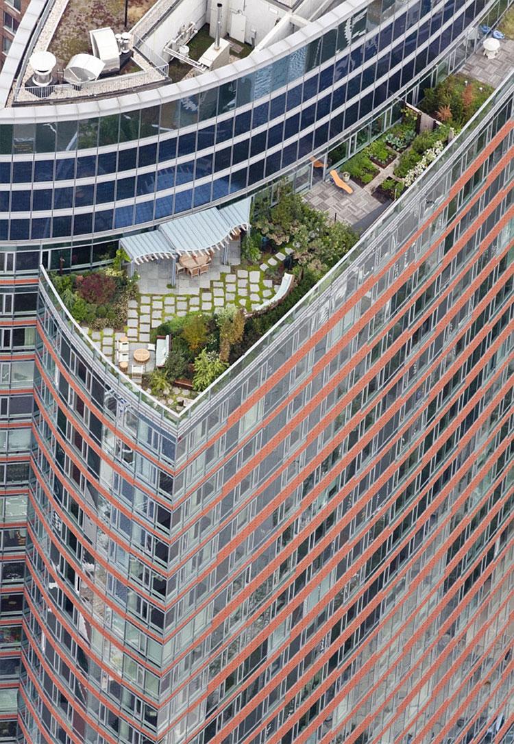 108 New York Secret Rooftop World
