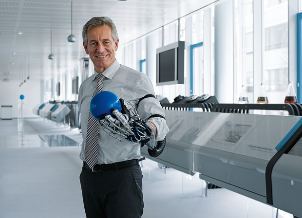 exohand festo 01 ExoHand is the first Step to health up