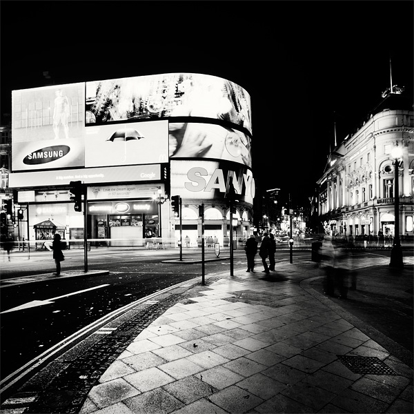 Nightscapes London 8 Black and White Photographs of Nightscapes London