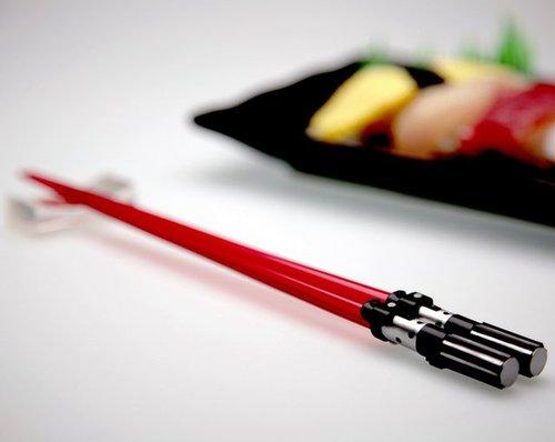 tumblr m5s949Zm2e1qiqf01o1 500 Lightsaber Chopsticks