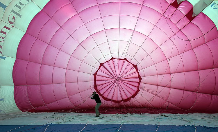 130 Balloonists Take To The Skies To Launch The Bristol