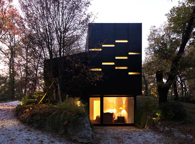 6a43b bologna house enrico iascone01 Bologna Guest House by Enrico Iascone Architects