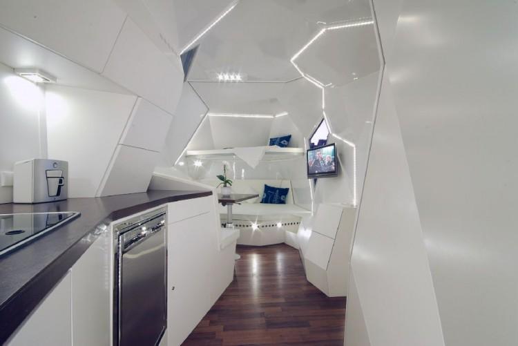 interior 03 750x501 Mehrzeller, a configurable multicellular mobile home