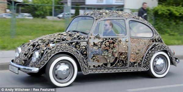 iron made volkswagen1 Wrought Iron Volkswagen Beetle