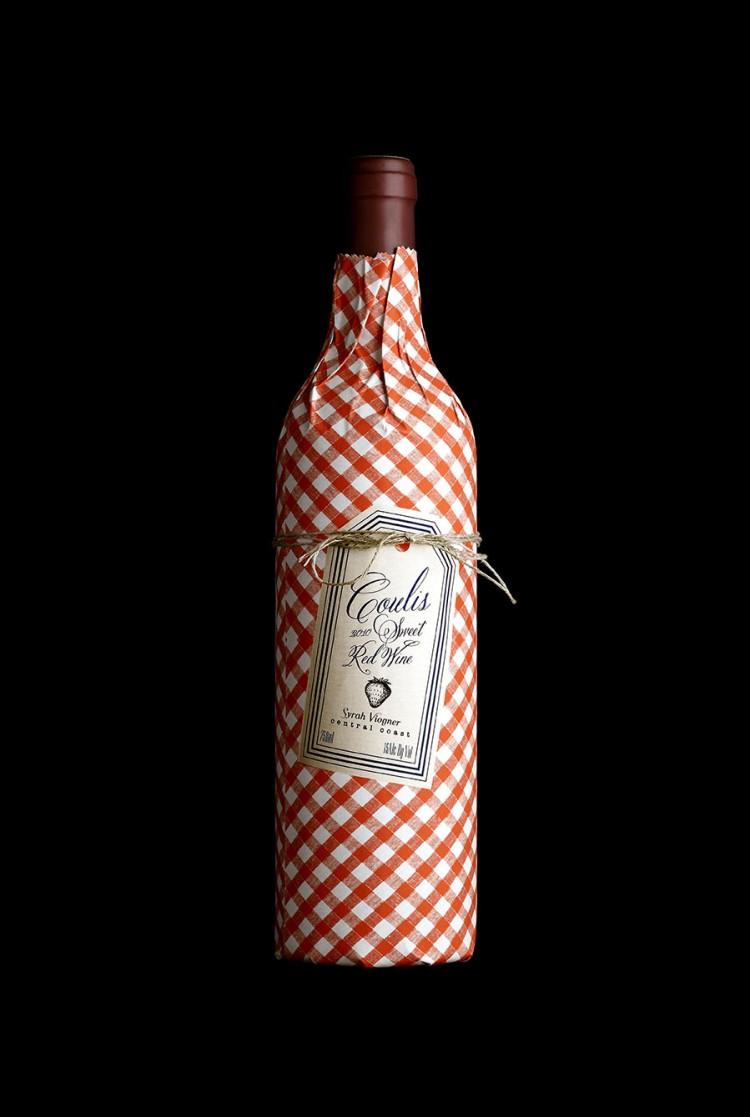 wine2 750x1117 Gorgeous Patented Bottle Wine Sleeves by Stranger & Stranger