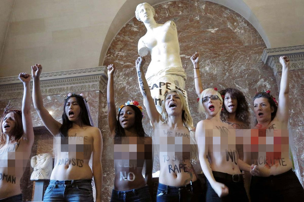 140 Topless Protest at the Louvre: Half naked FEMEN Campaigners in Paris