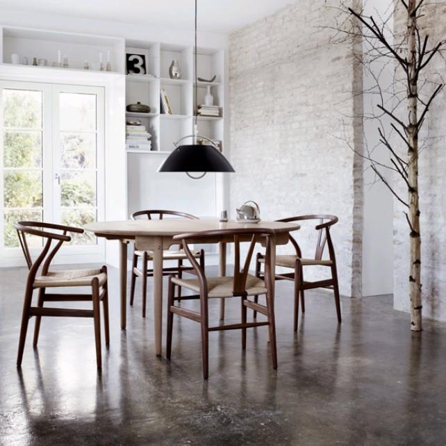 Imag4 CH24 – Der Wishbone Chair
