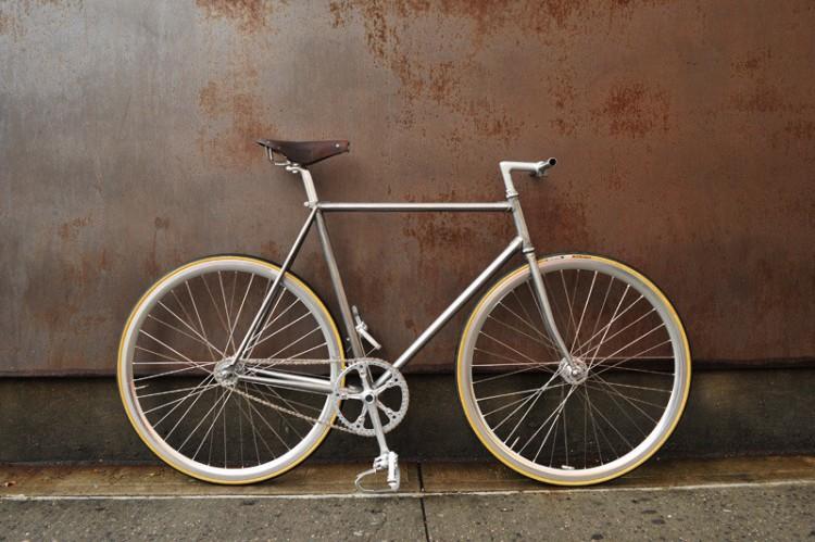 bici due italia bici large 750x499 Bici Due, by Italia Bici