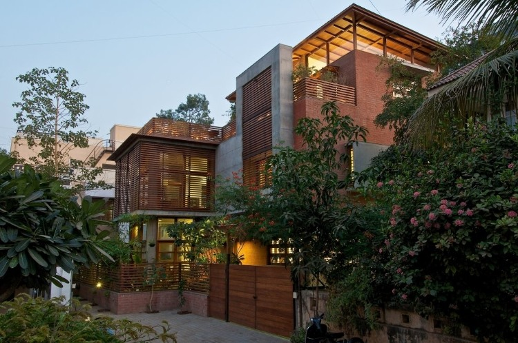 gu 1 The Green House by Hiren Patel Architects