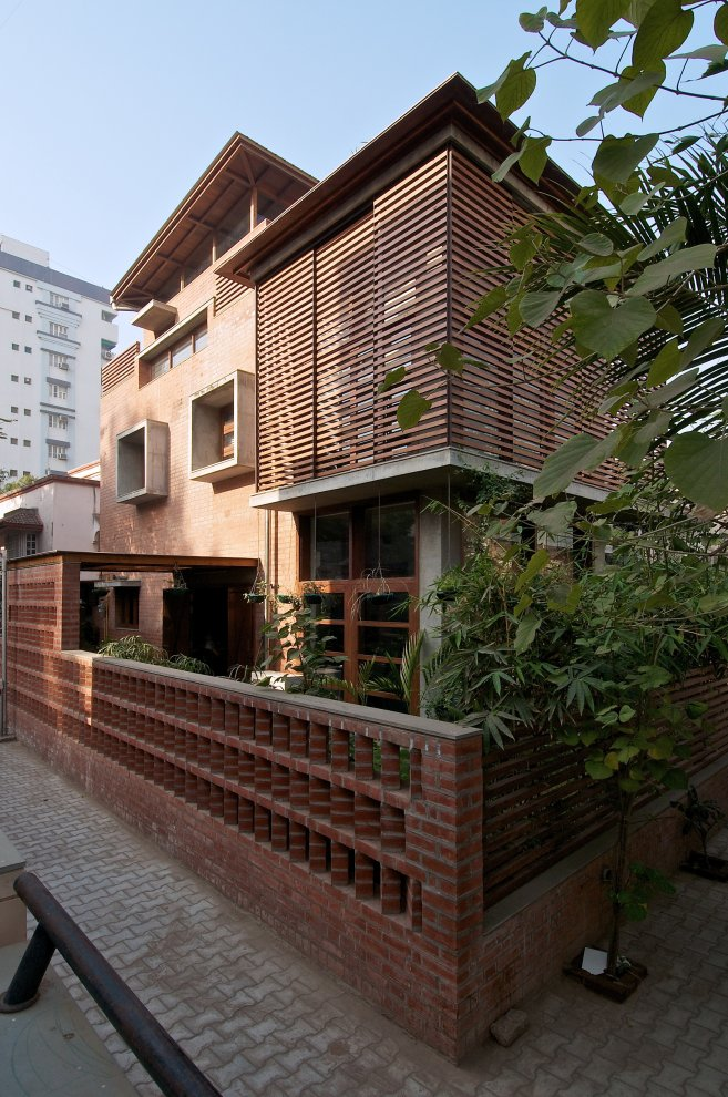 gu 2 The Green House by Hiren Patel Architects