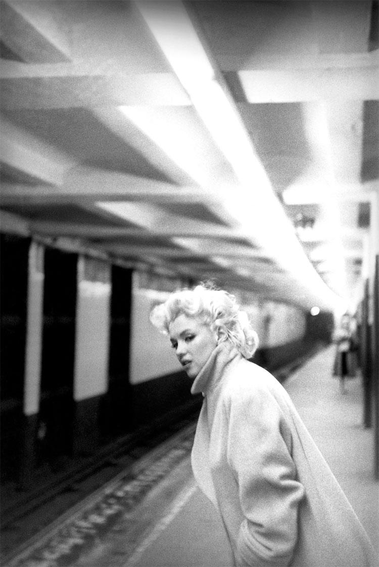 810 Marilyn Monroe in New York by Ed Feingersh, 1955