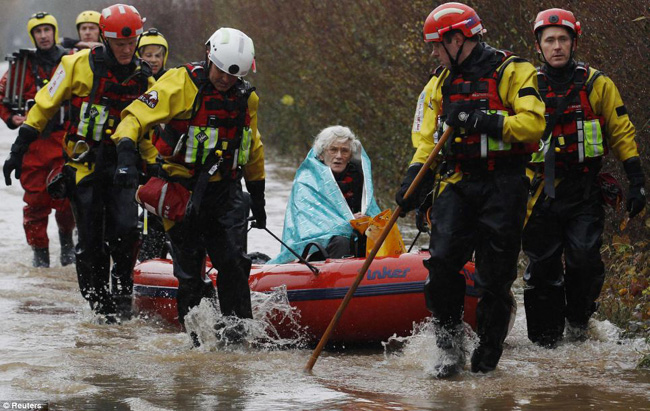 Flood hit UK  Northern UK Hit By Flooding Storm