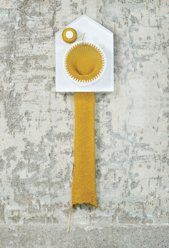 Knitting clock04 Knitting Clock by Siren Elise Wilhelmsen