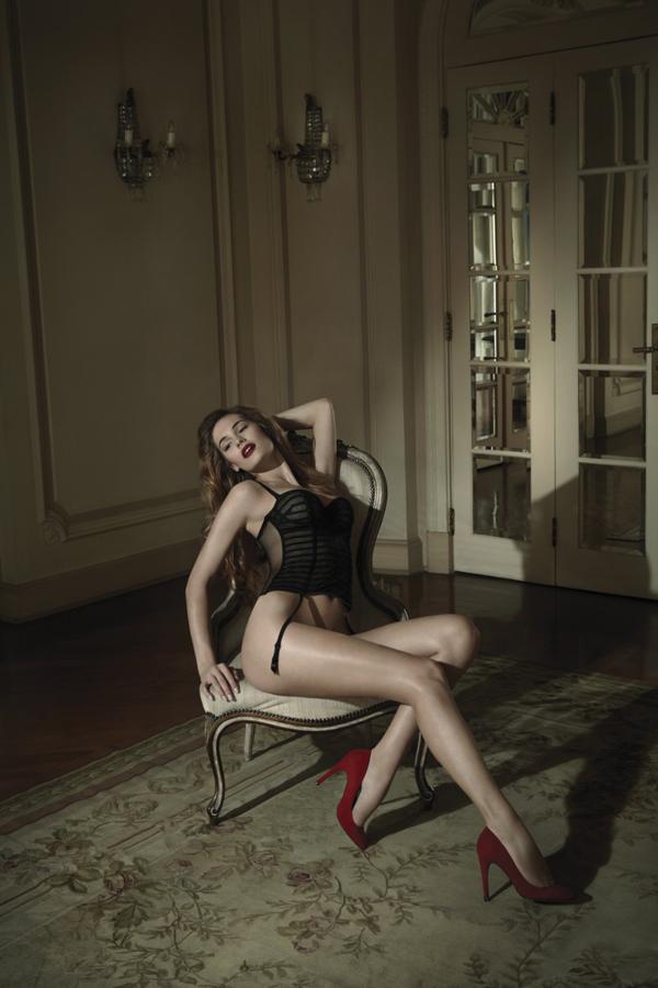 gq lingerie4 Karen Nuernberg strips for GQ Italia