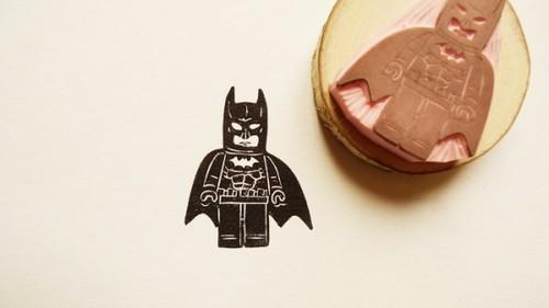 tumblr mdg4jftL1B1qiqf01o1 500 Batman Stamp