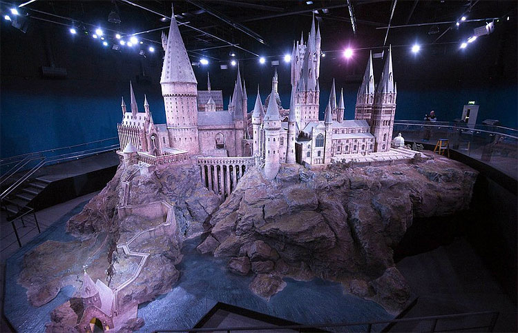 611 Model of Hogwarts Castle