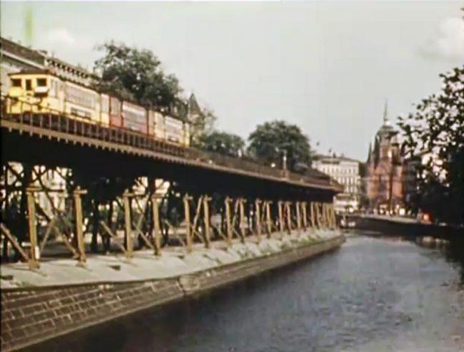 Life in Berlin 1936 3 650x494 Life in Berlin, 1936