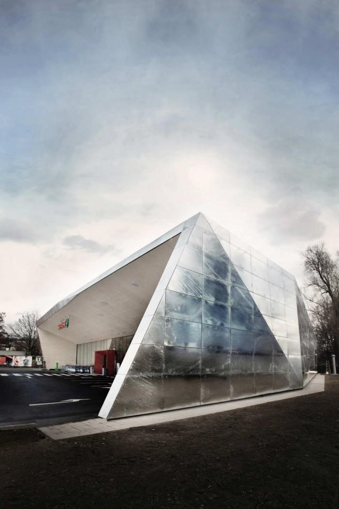 jasmin schuller 2 e1354708063705 Erstaunlicher Designtrend in der Architektur: einen Supermarkt in Graz, Österreich
