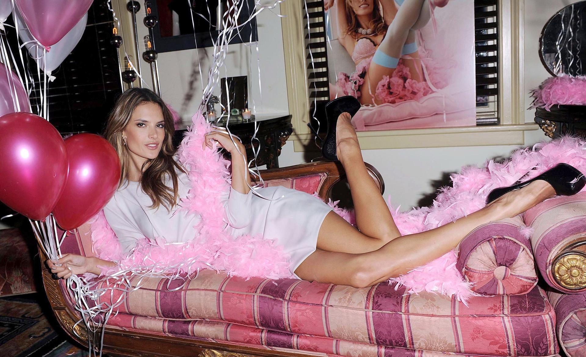 Alessandra Ambrosio Pictures 12 Alessandra Ambrosio
