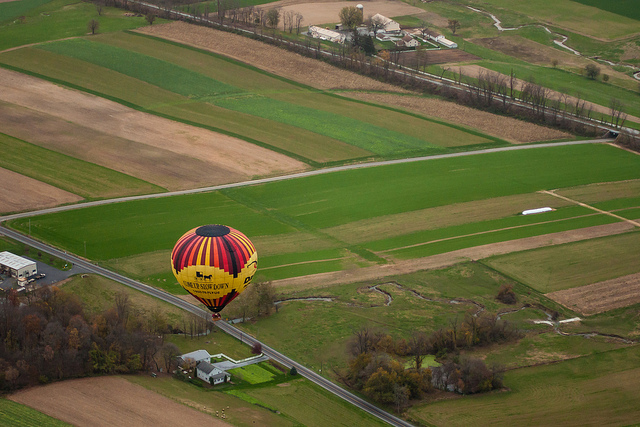 Getting ready to land1 Hot Air Balloon Pics For Inspiration