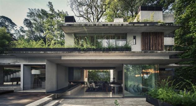 MZ Modern Mansion Nestled in the Forests of Mexico
