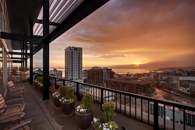 Penthouse Loft in Seattle 8 650x433 Penthouse Loft in Seattle