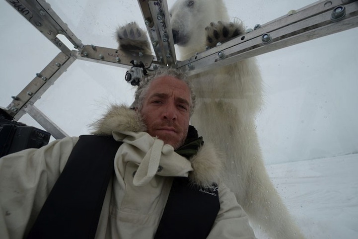 Cameraman Comes Face to Face with Hungry Polar Bears