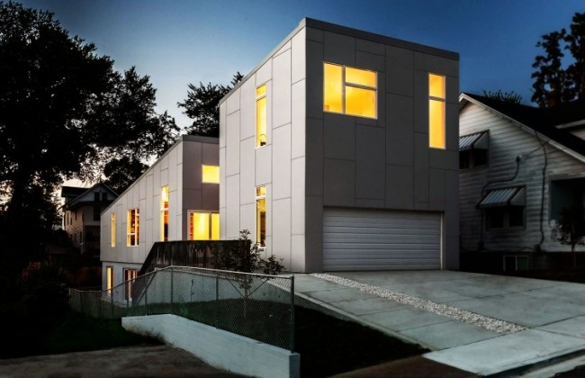 x 16 650x420 10 Degree House by Howeler + Yoon Architecture