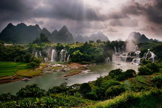 Ban Gioc Waterfall 60 Awesome Photographs of Vietnam