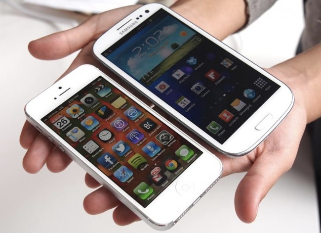 Choosing between iPhone 5 and Galaxy S3 650x471 Facts to consider when Choosing between iPhone 5 and Galaxy S3