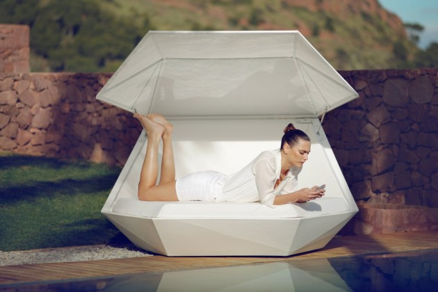 Ramon Esteve Design Stylish And Elegant Faz Daybed by Ramon Esteve for VONDOM
