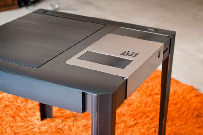 floppytable002 650x433 RETRO FLOPPYTABLE BY NEULANT VAN EXEL