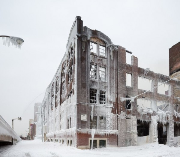 frozen warehouse 600x523 Chicago : Entre feu et glace