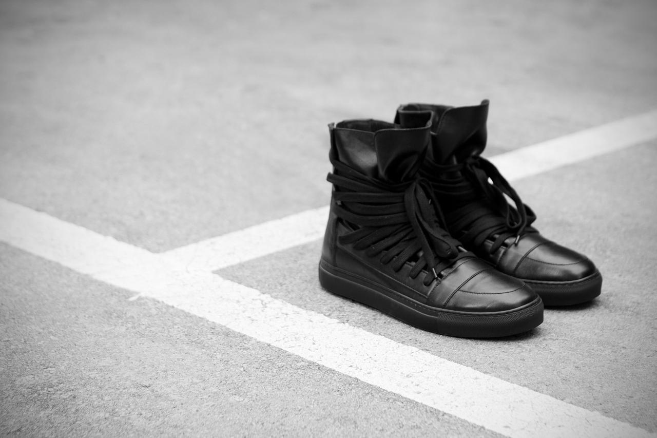 krisvanassche-2013-springsummer-multi-laces-sneaker-4.jpg