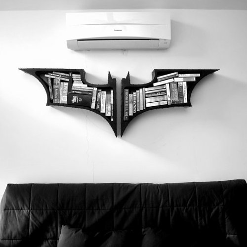 tumblr mgl2gfyOjg1qiqf01o1 500 Batman Bookshelve